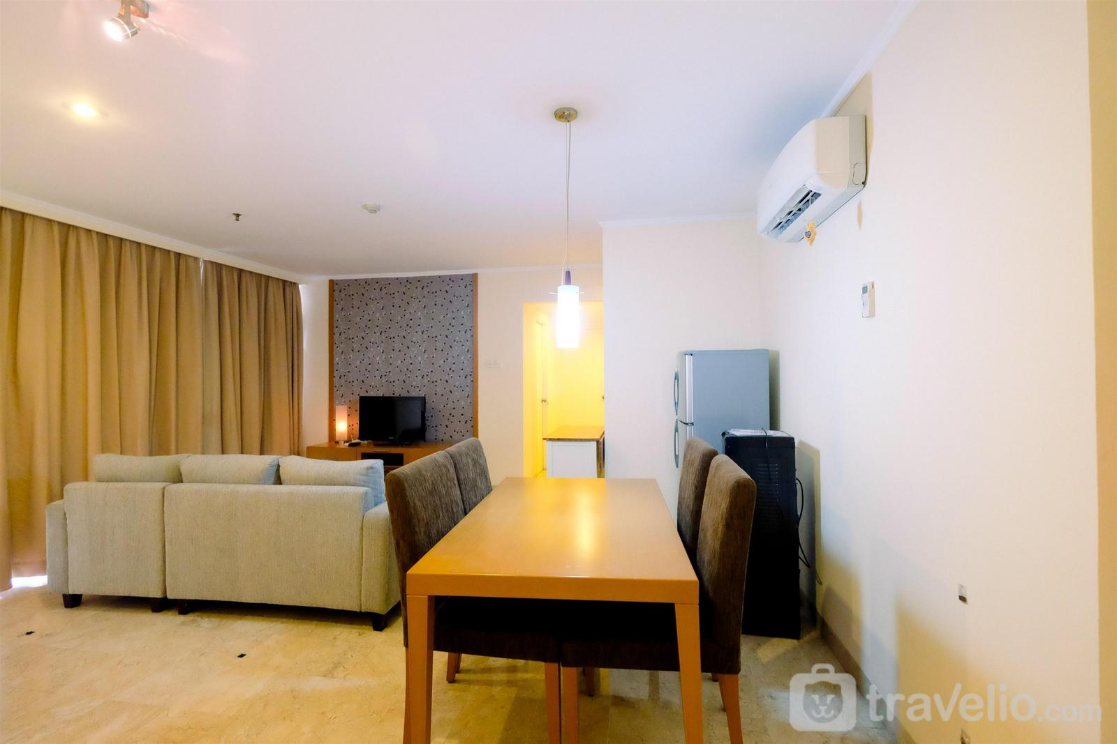 Apartemen Beverly Tower - Modern Contemporer 2BR Beverly Tower Apartment By Travelio