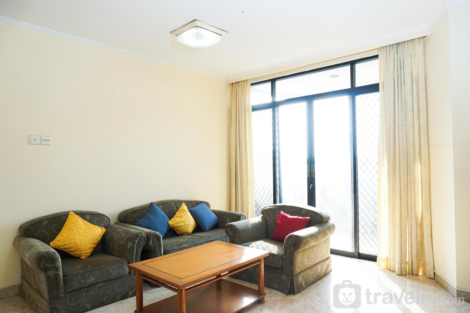 Apartemen Beverly Tower - 2BR with Pool View at Beverly Tower Apartment By Travelio