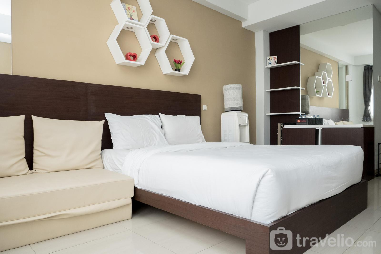 Dago Suites Apartment - Spacious Studio Apartment Dago Suites near ITB By Travelio