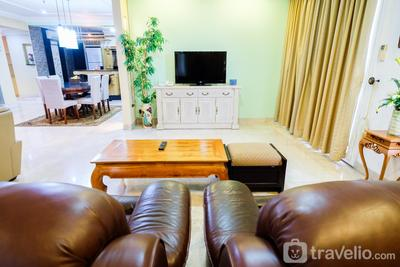 Park Royale Gatot Subroto - Classy 2BR With Sofa Bed Park Royale Apartment By Travelio