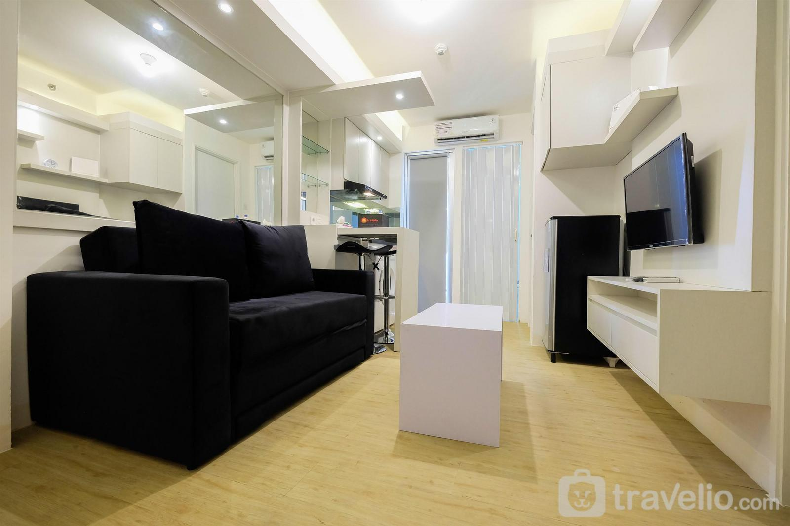 Bassura City Cipinang - Spacious 2BR Apartment Connected to Bassura City Mall By Travelio