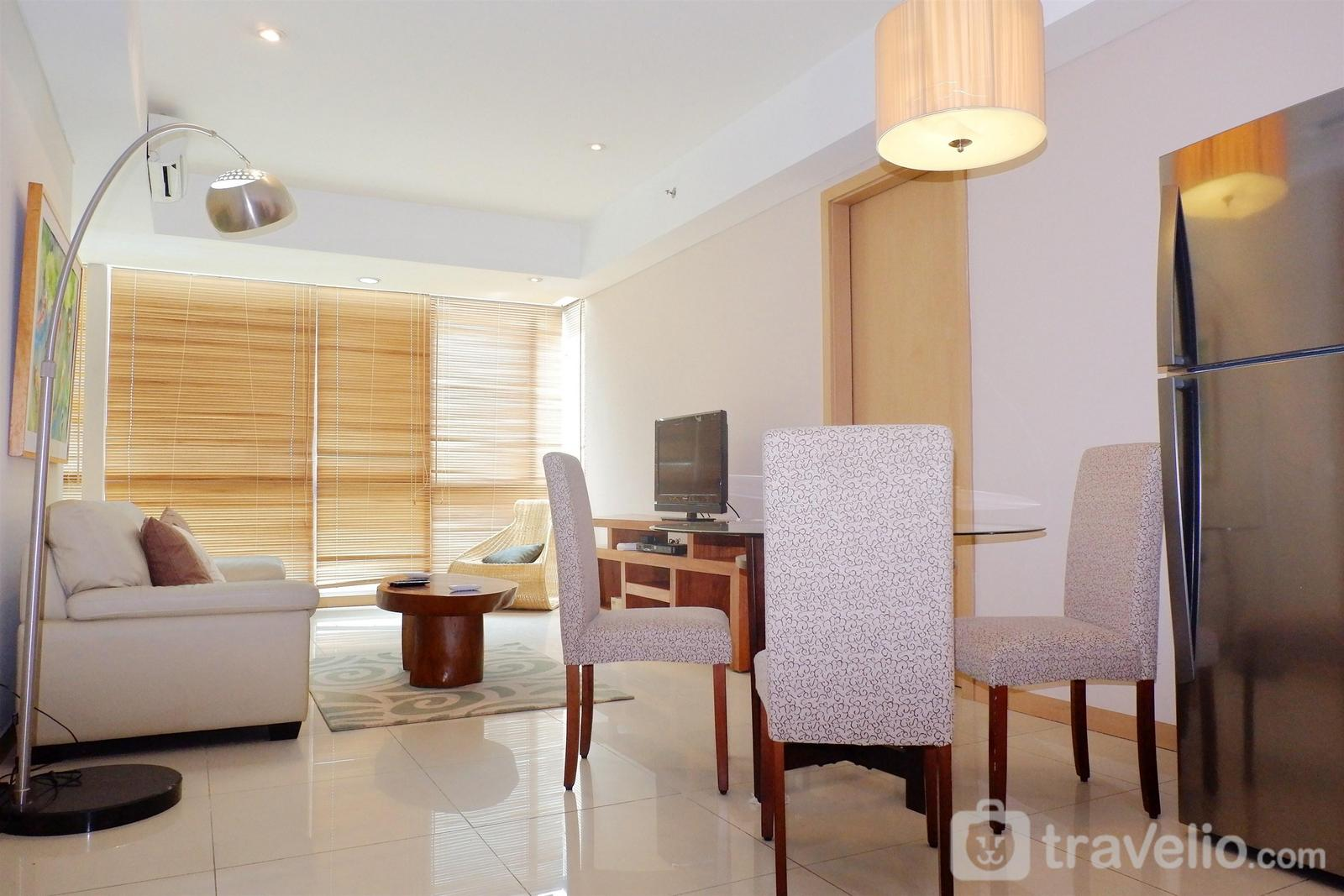 Kemang Village - 2BR Apartment Kemang Village Connect to Mall By Travelio