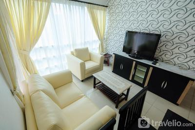 Exclusive 3BR Apartment @ Sahid Sudirman Residence near Shopping Mall By Travelio