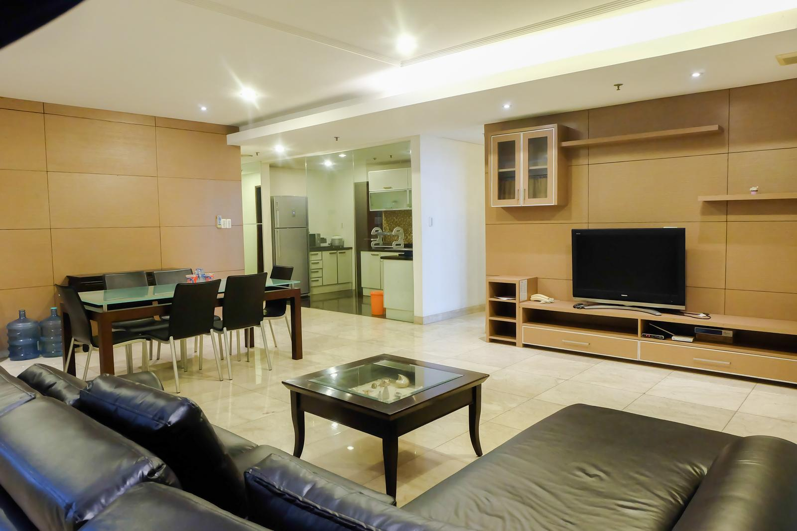 Park Royale Apartment Gatot Subroto - Spacious 2 BR Apartment Park Royale By Travelio