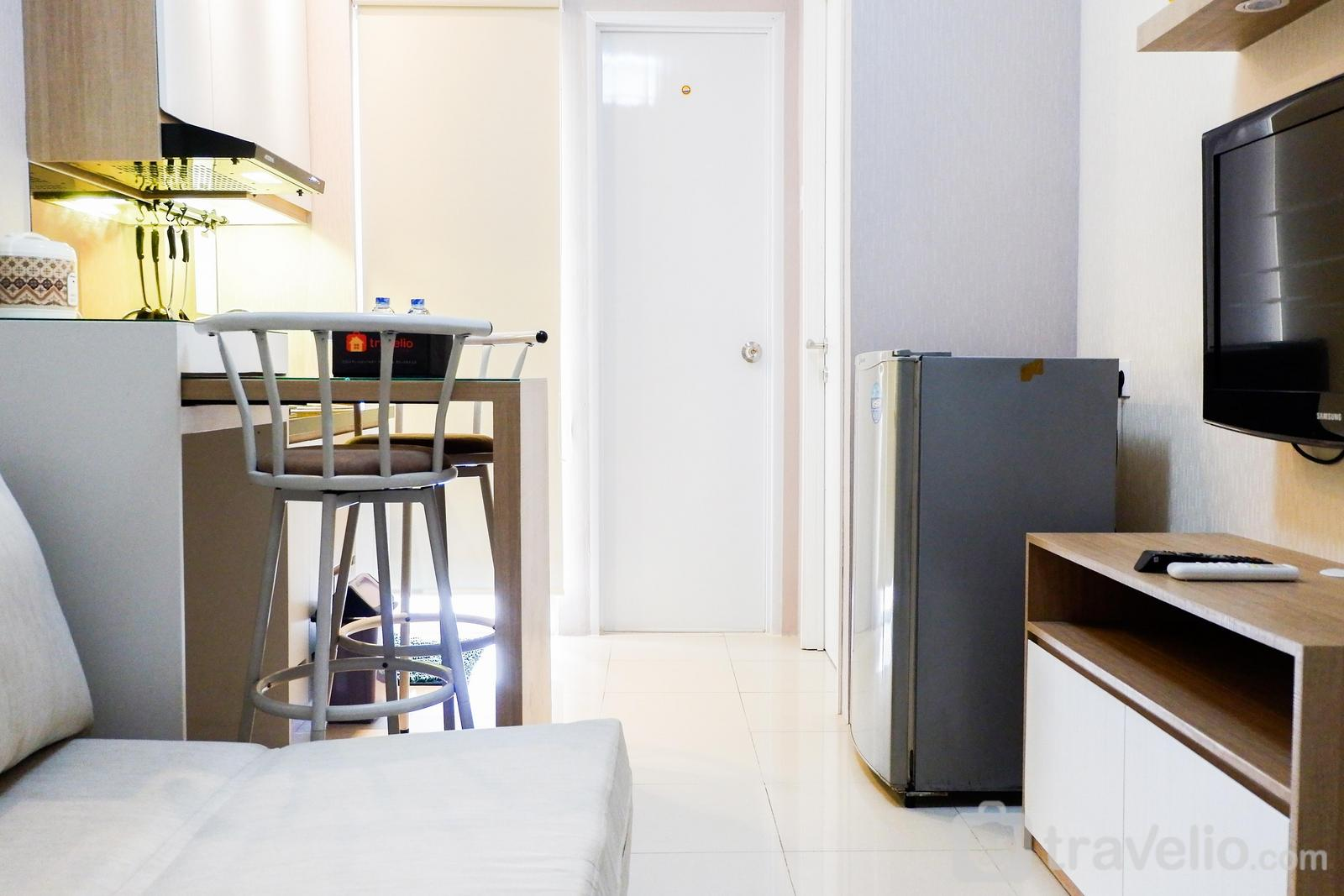 Bassura City Cipinang - Modern and Comfy Design 2BR Bassura City Apartment By Travelio