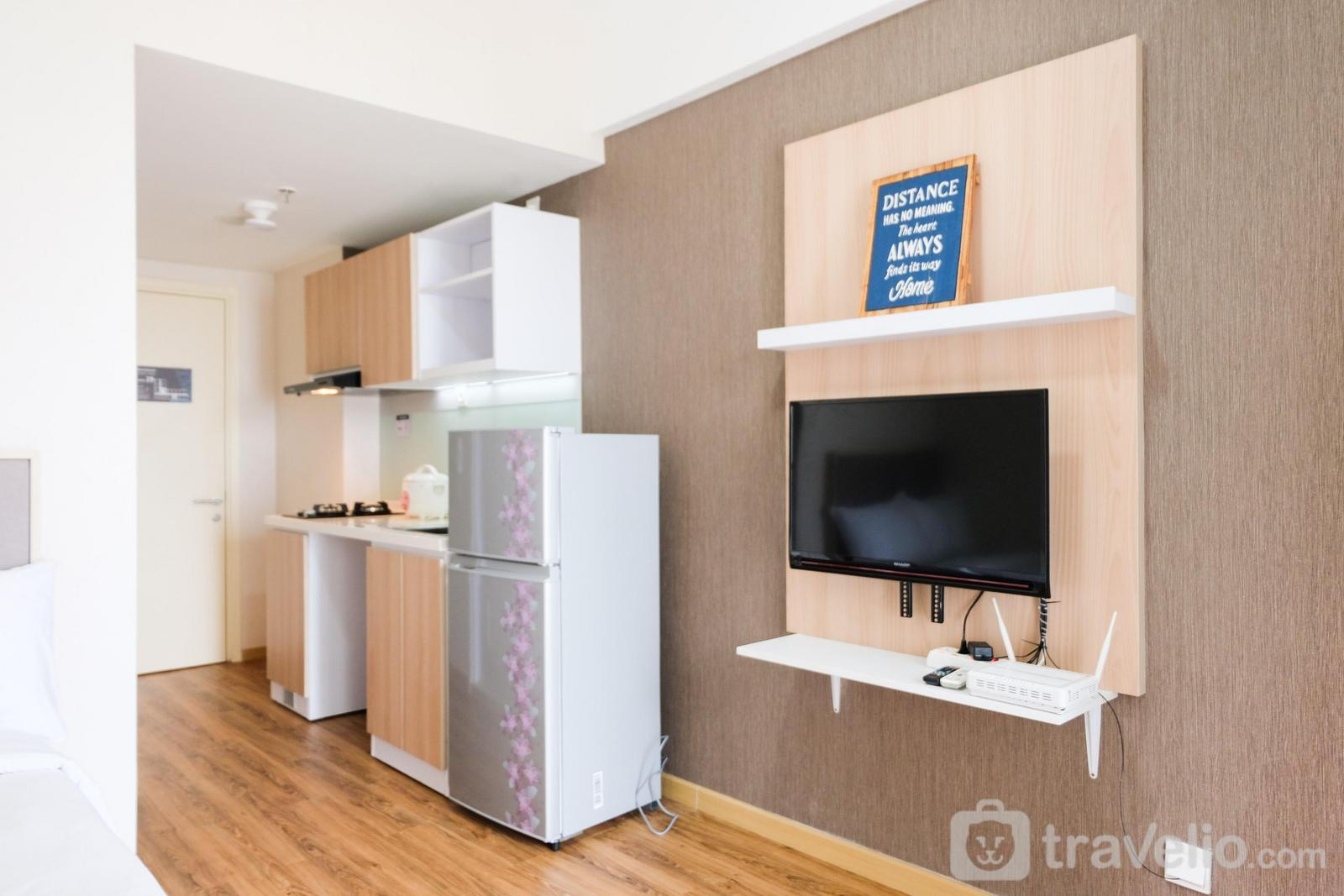 M Town Residence - Comfy Studio Apartment with Extra Bed at M-Town Residence By Travelio
