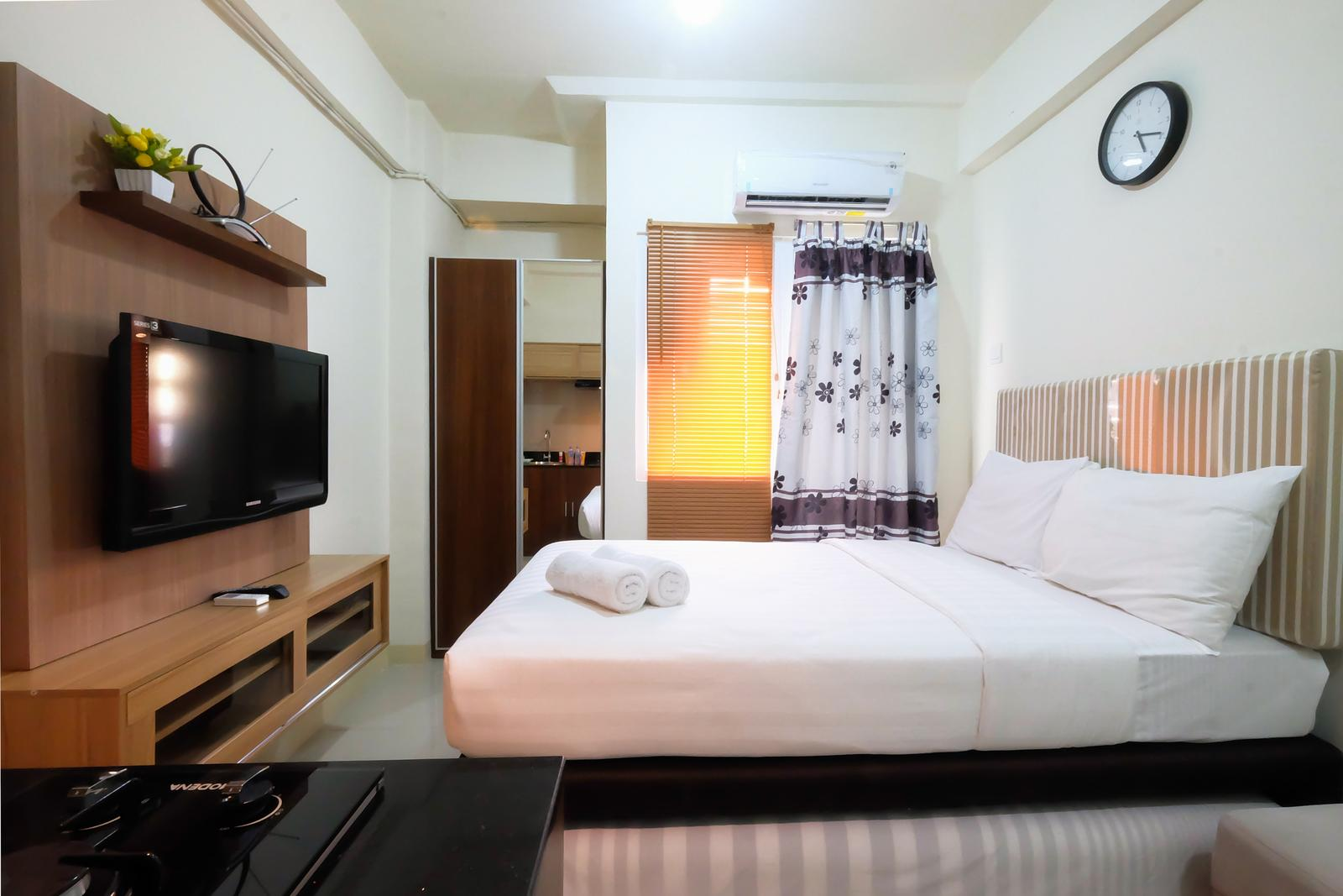 Green Pramuka Cempaka Putih - Studio Green Pramuka City Apartment with Mall Access By Travelio