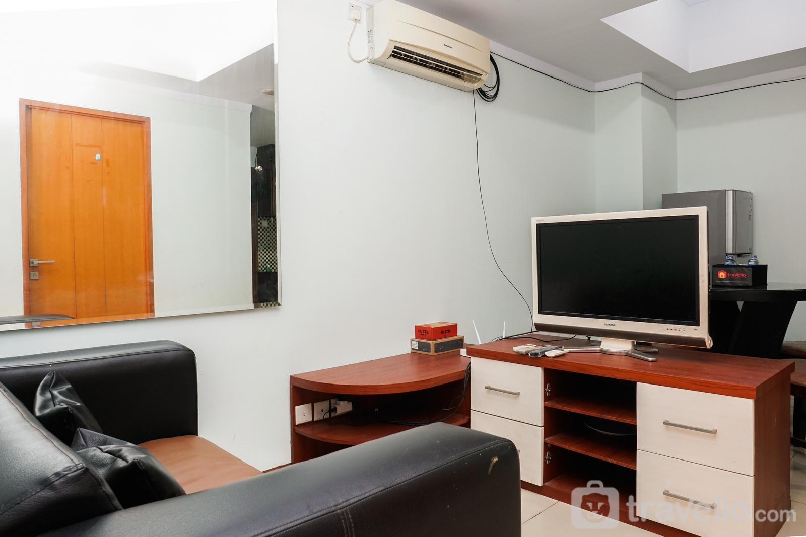 Grand Kartini Apartment - Comfy 2BR Grand Kartini Apartment By Travelio