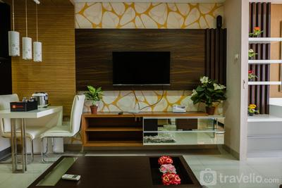 Luxurious 1BR At Dago Suites Apartment By Travelio