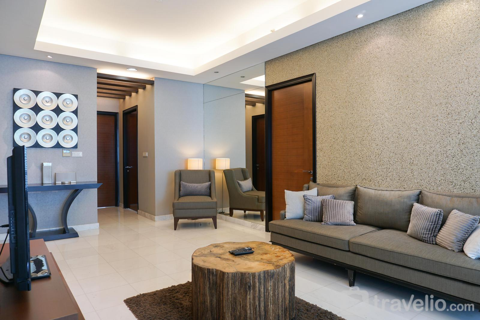 The Peak Sudirman - Luxury 2BR with Study Room at The Peak Apartment By Travelio