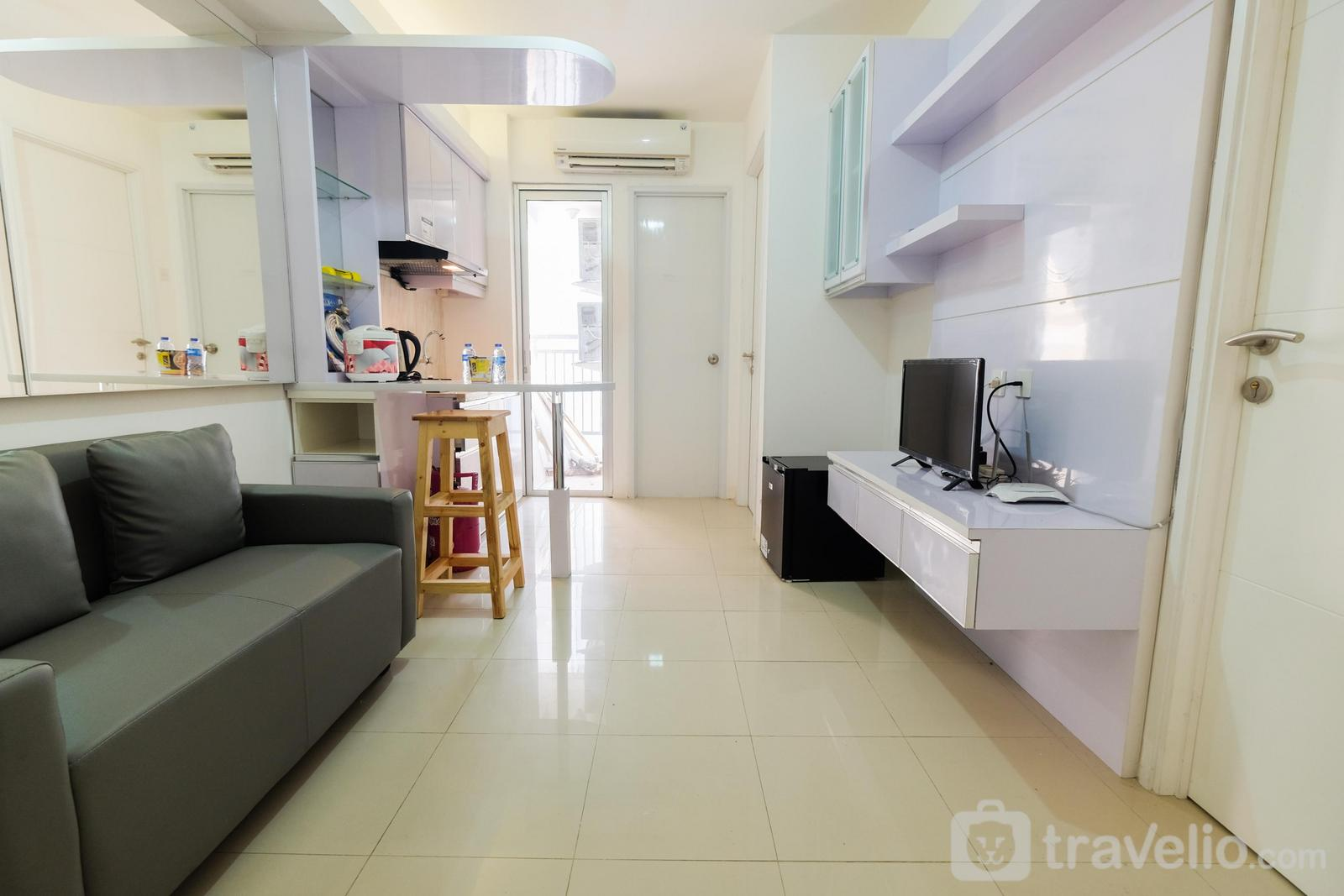 Bassura City Cipinang - Simply Living 2BR at Bassura City Apartment By Travelio