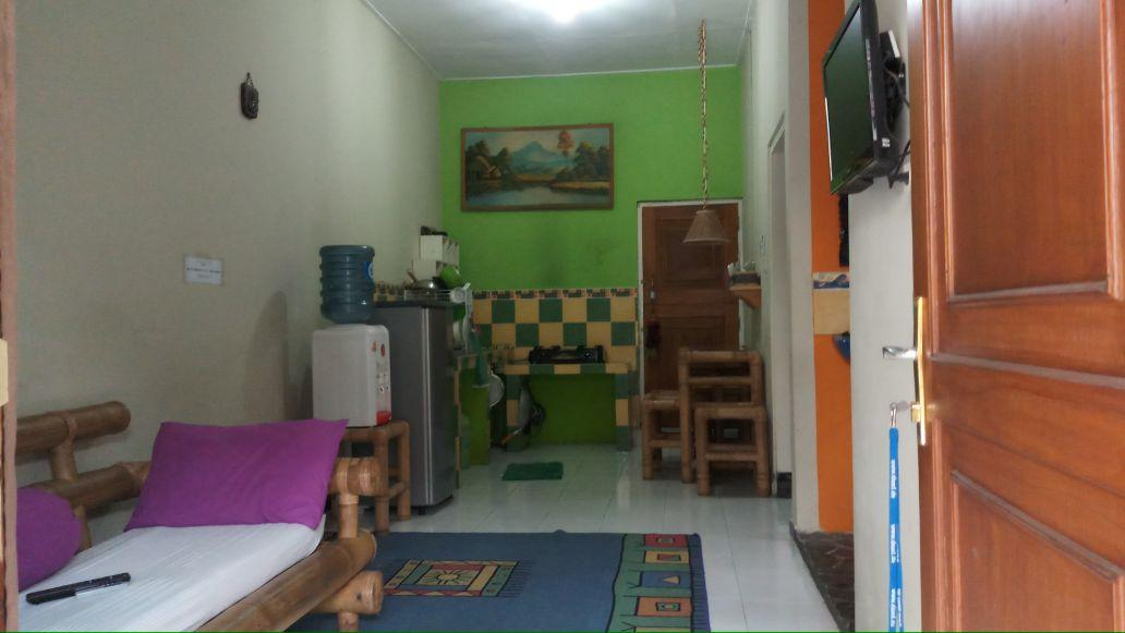 2BR House With Ac @ Rumah Ofa
