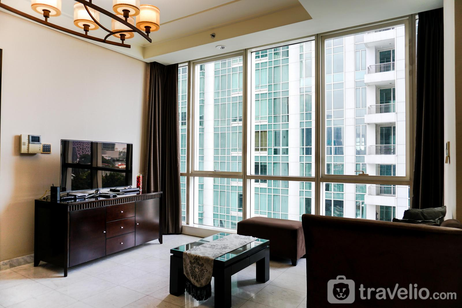 The Peak Sudirman - 2BR The Peak Apartment with Private Lift and Bathtub By Travelio