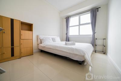 Minimalist 1BR Apartment with Sofa Bed at Parahyangan Residence By Travelio