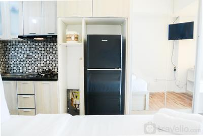 Cozy Studio Green Lake Sunter Apartment with City View By Travelio