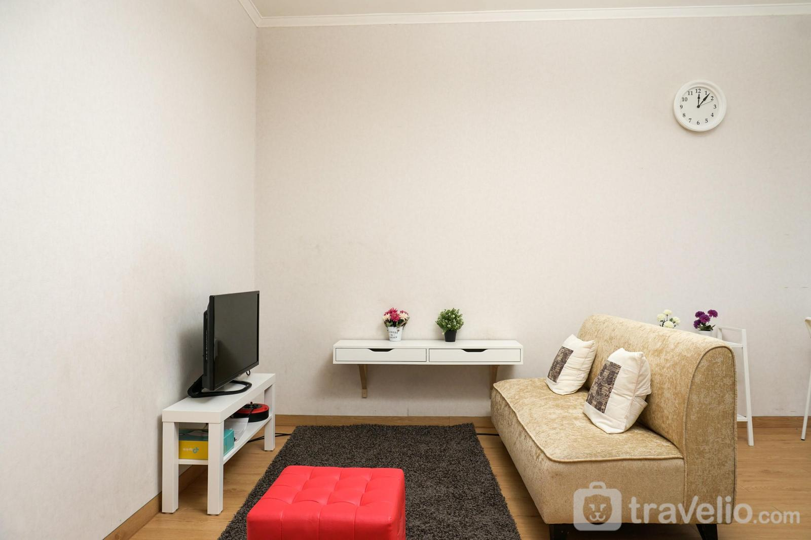 Sudirman Park Apartment - Well Designed Sudirman Park 2BR Apartment By Travelio