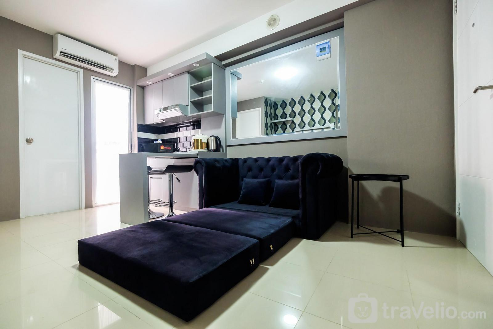 Bassura City Cipinang - Modern and Comfort 2BR Bassura City Apartment By Travelio
