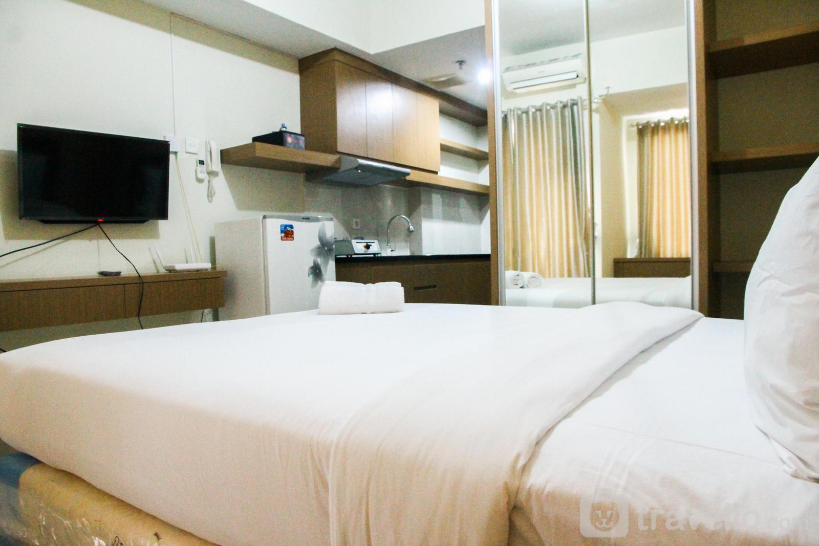 Grand Dhika City Apartment - Simply Furnished Studio Apartment @ Grand Dhika City By Travelio