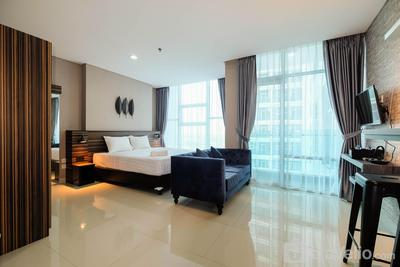 Spacious and Artsy Studio Apartment at Brooklyn Alam Sutera By Travelio