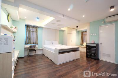 Comfortable and Spacious Studio at Gading Nias Apartment near Kelapa Gading By Travelio