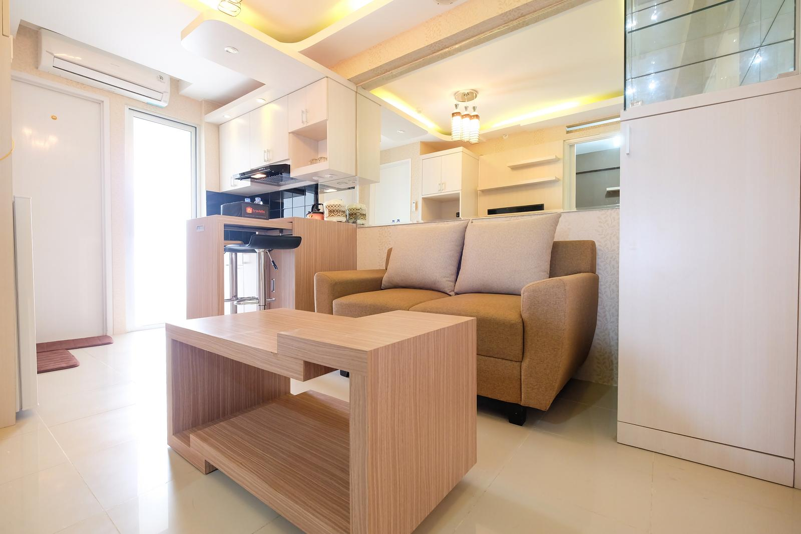 Bassura City Cipinang - Modern Minimalist 2 BR Bassura City Apartment By Travelio