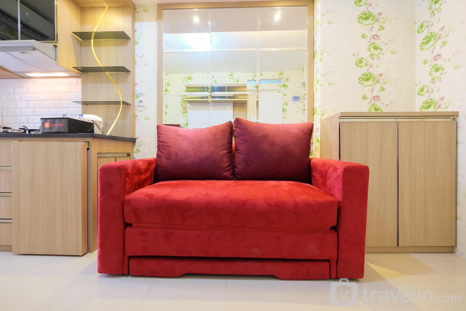 Bassura City Cipinang - Best Price & Comfy 2BR Bassura City Apartment By Travelio