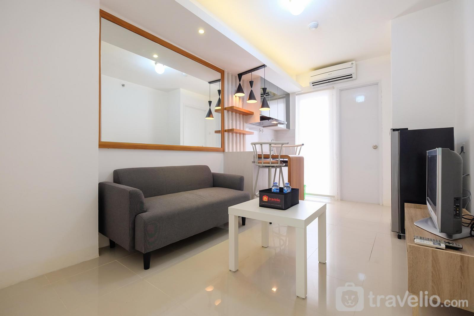Bassura City Cipinang - Compact 2BR Bassura City Apartment near Jatinegara By Travelio