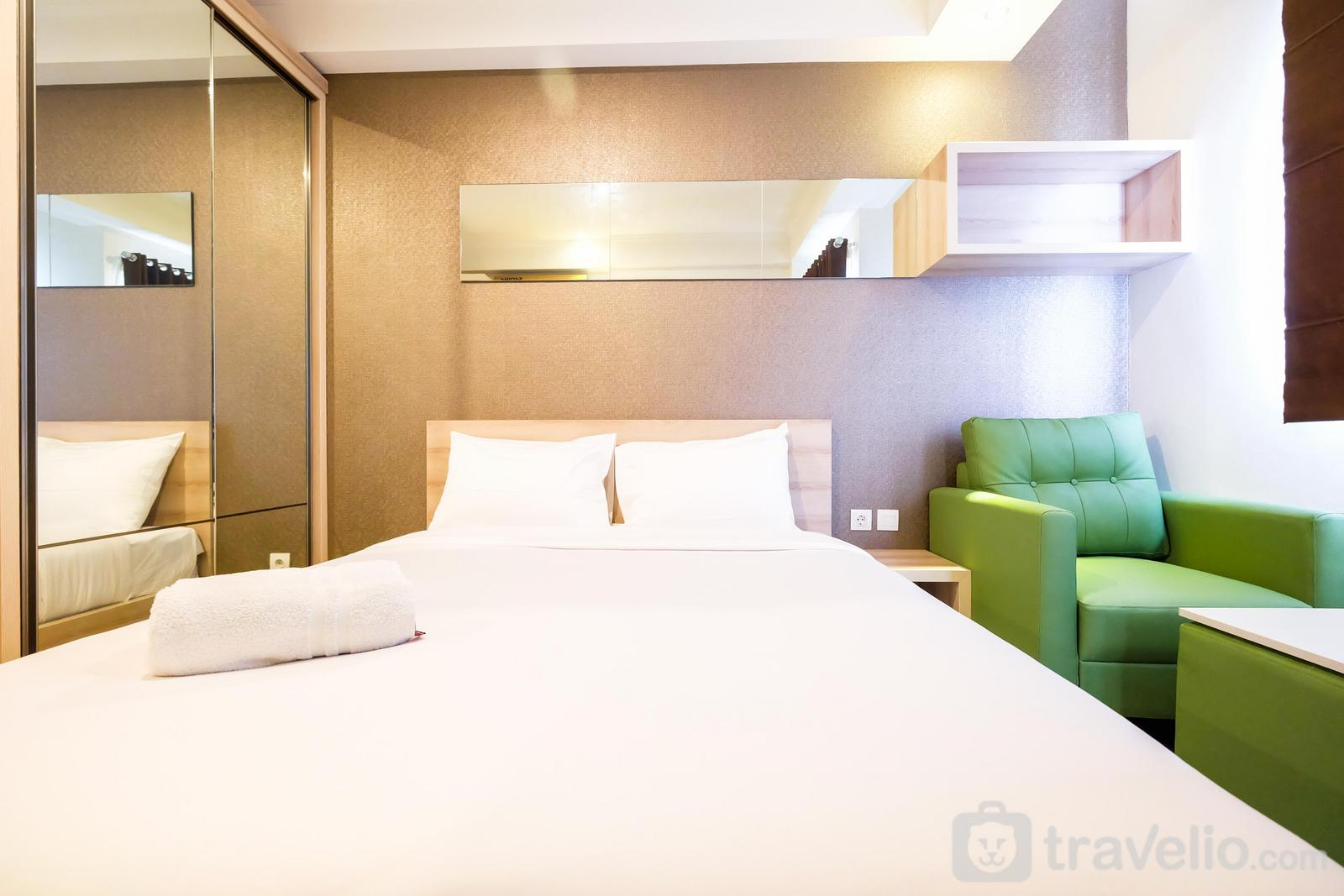 Signature Park Grande M.T Haryono - Comfortable Studio Signature Park Grande Apartment By Travelio