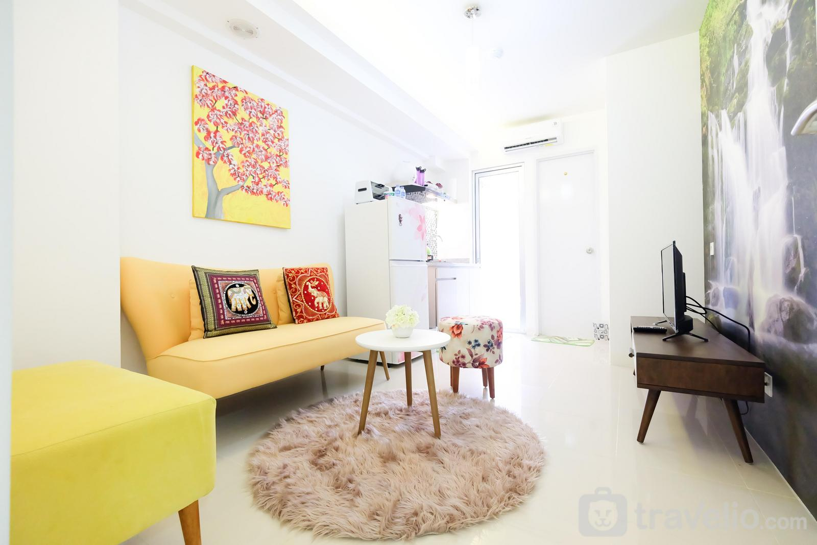 Bassura City Cipinang - Best Designed 2BR Bassura City Apartment By Travelio