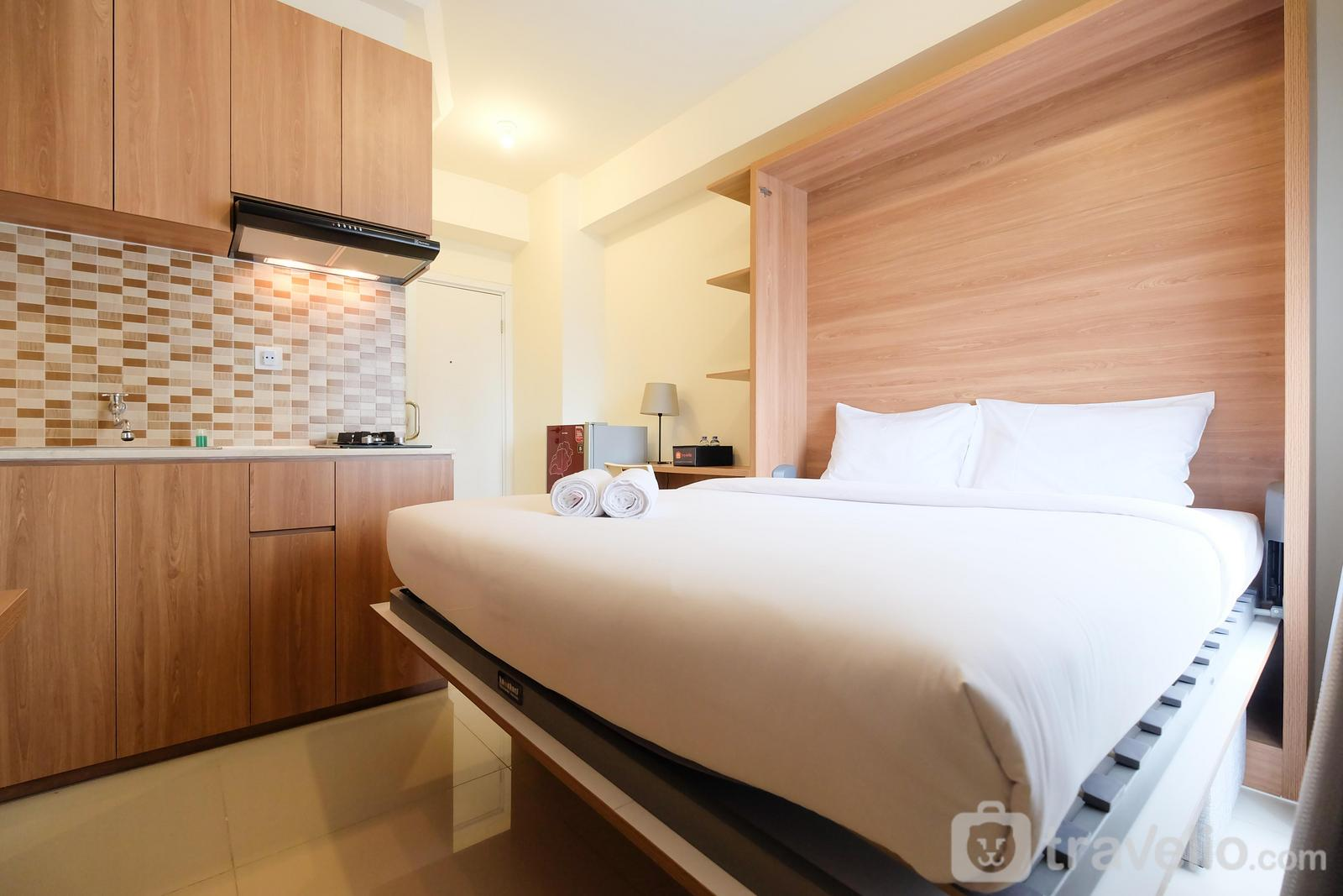 Green Pramuka Cempaka Putih - Modern Studio at Green Pramuka City Apartment near to Shopping Center By Travelio