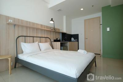 Classic Studio Tree Park Apartment near ICE BSD By Travelio