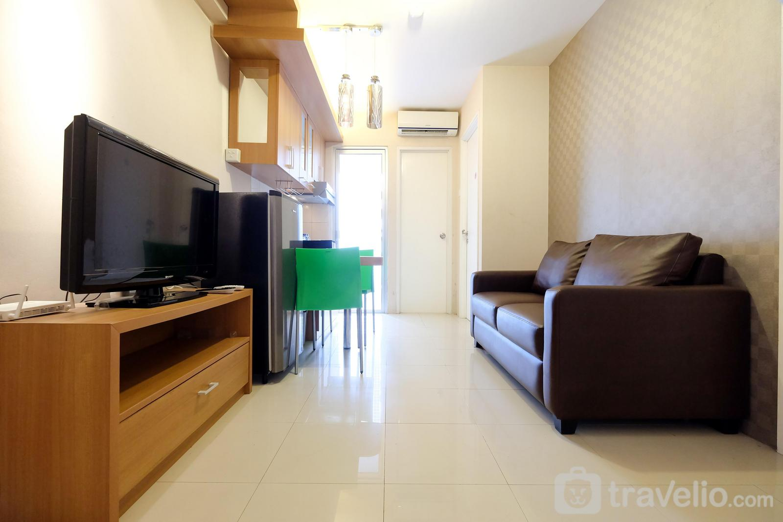 Green Palace Kalibata - Comfy 2BR Green Palace Kalibata Apartment By Travelio