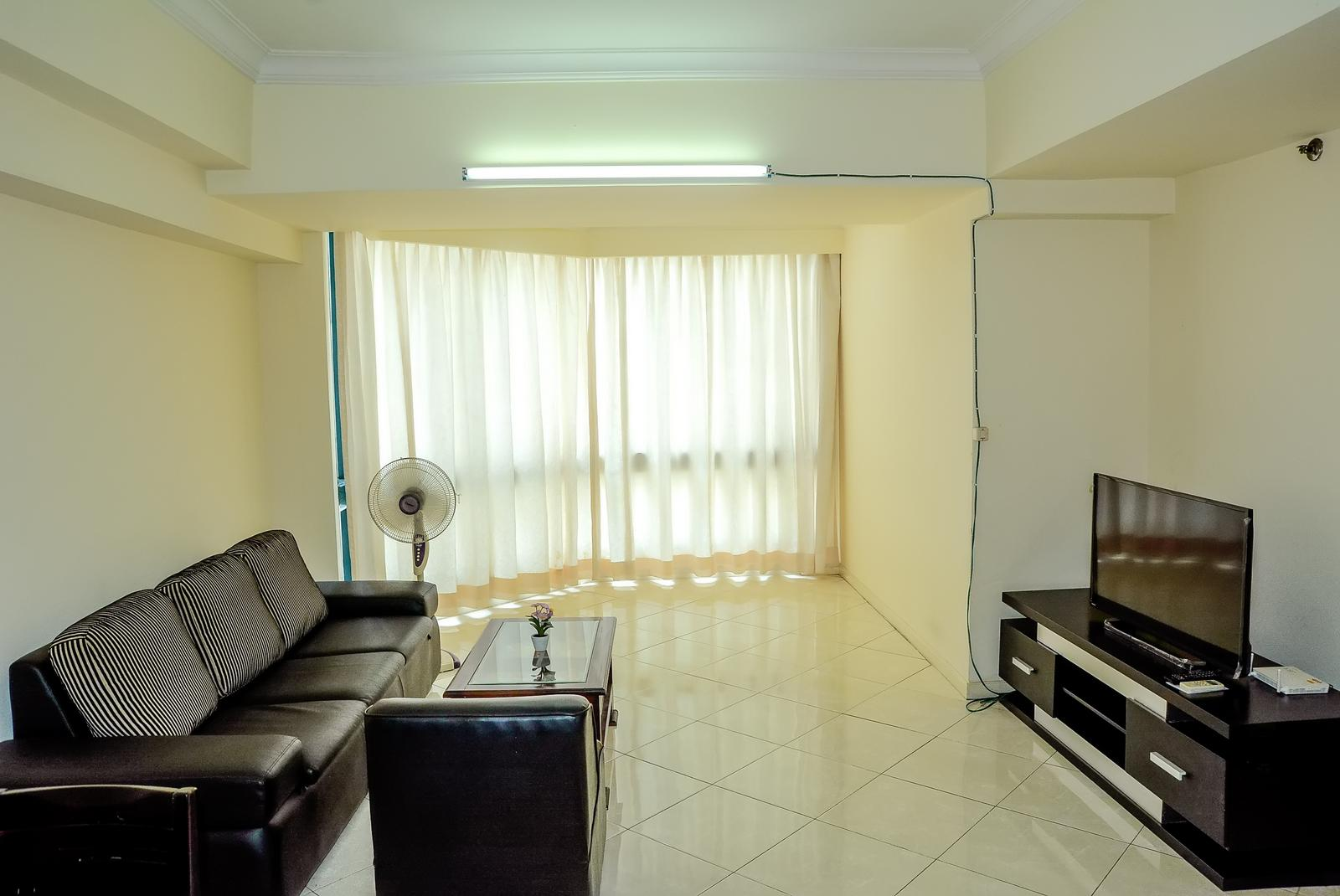 Apartemen Taman Anggrek - Best Location 2BR Taman Anggrek Apartment By Travelio