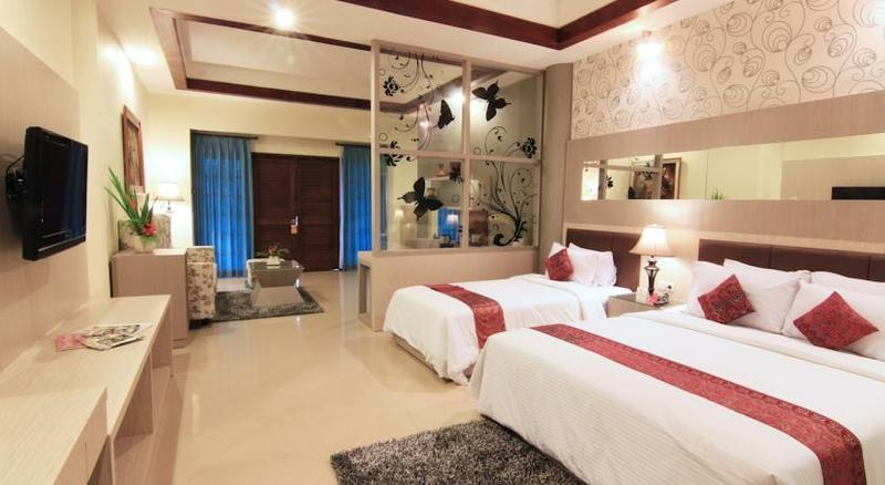 Booking Royal Trawas Hotel & Cottages