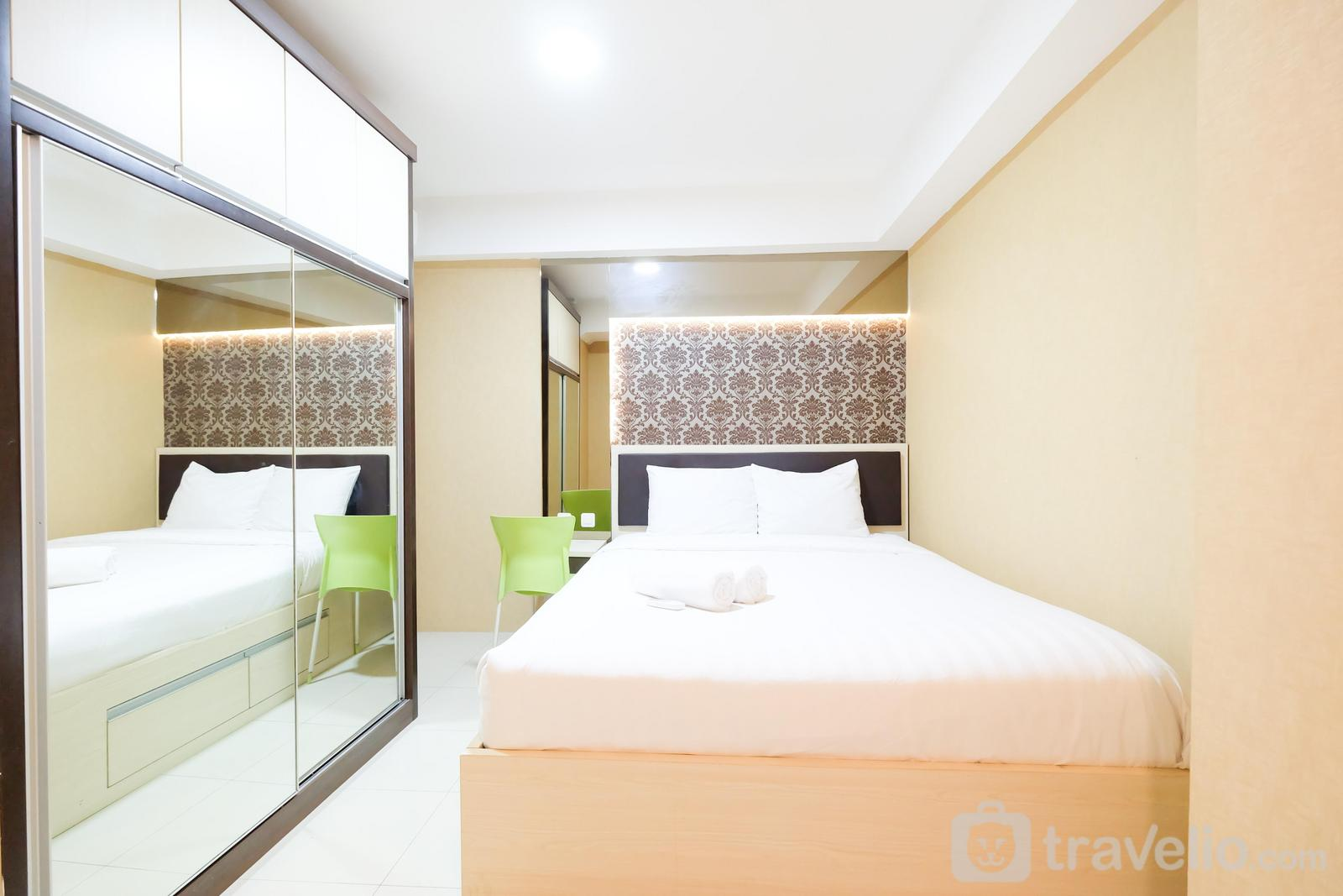 Bassura City Cipinang - Pool View and Elegant 1BR Bassura City Apartment by Travelio