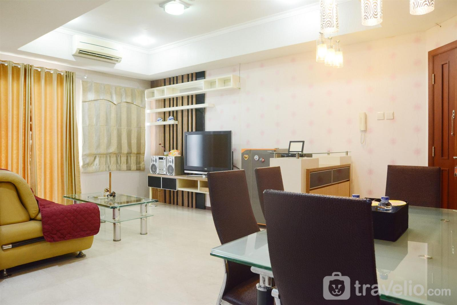 Royal Mediterania Garden - 2BR Royal Mediterania Garden Residence near Central Park Mall By Travelio