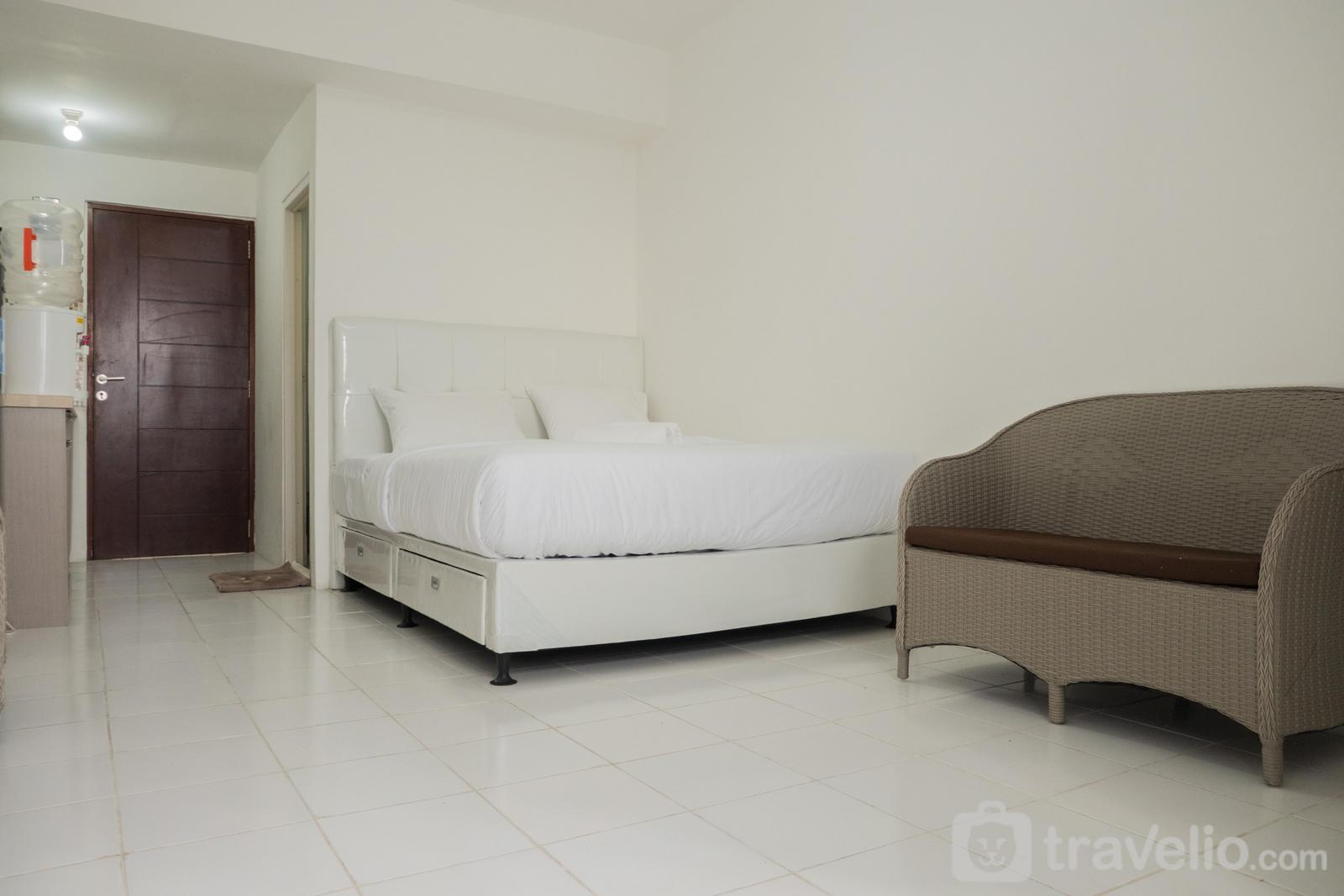 Emerald Towers Bandung - Studio near Metro Indah Mall at Emerald Towers Apartment By Travelio