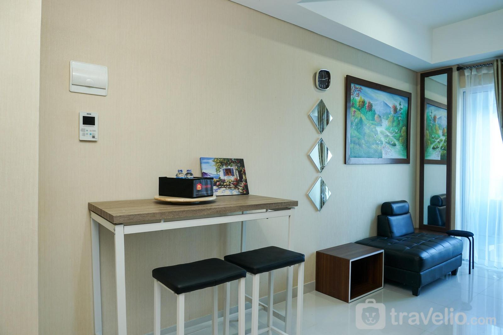 Apartemen Puri Mansion - Deluxe and Comfortable 1BR Puri Mansion Apartment By Travelio