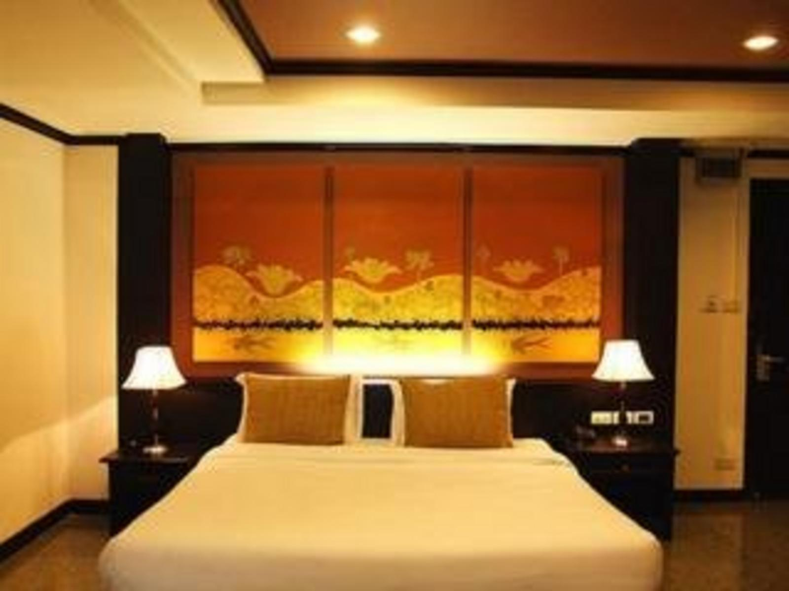The Heritage Sathorn Suite Hotel