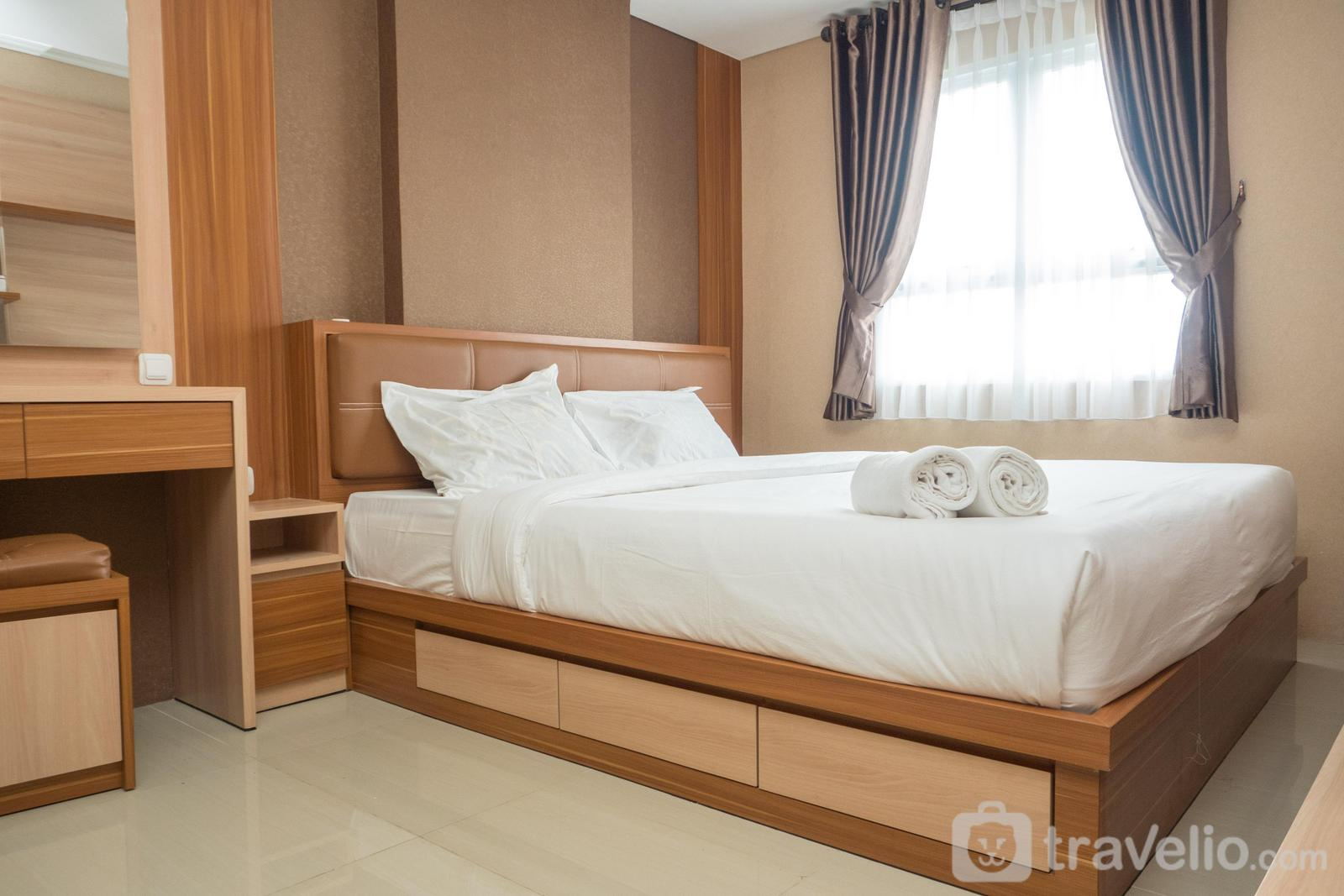 Gateway Pasteur Apartment - Homey 3BR with Sofa Bed near Pasteur Exit Toll at Gateway Pasteur Apartment By Travelio