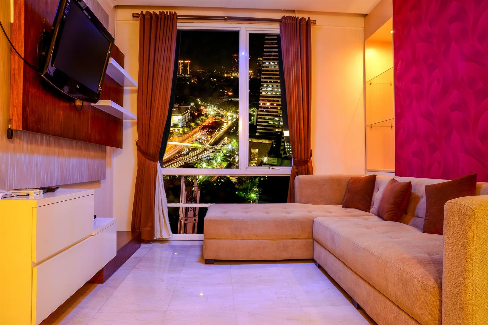 FX Residence Sudirman Senayan - Modern 2 BR Apartment @ FX Residence with City View By Travelio