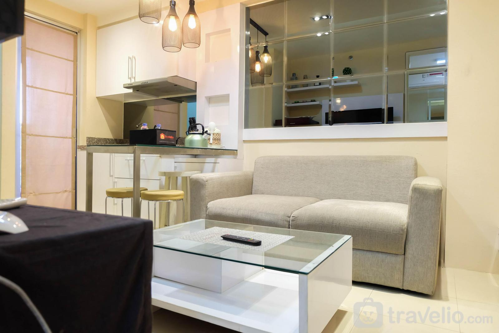 Bassura City Cipinang - Spacious 2BR Bassura City Apartment By Travelio