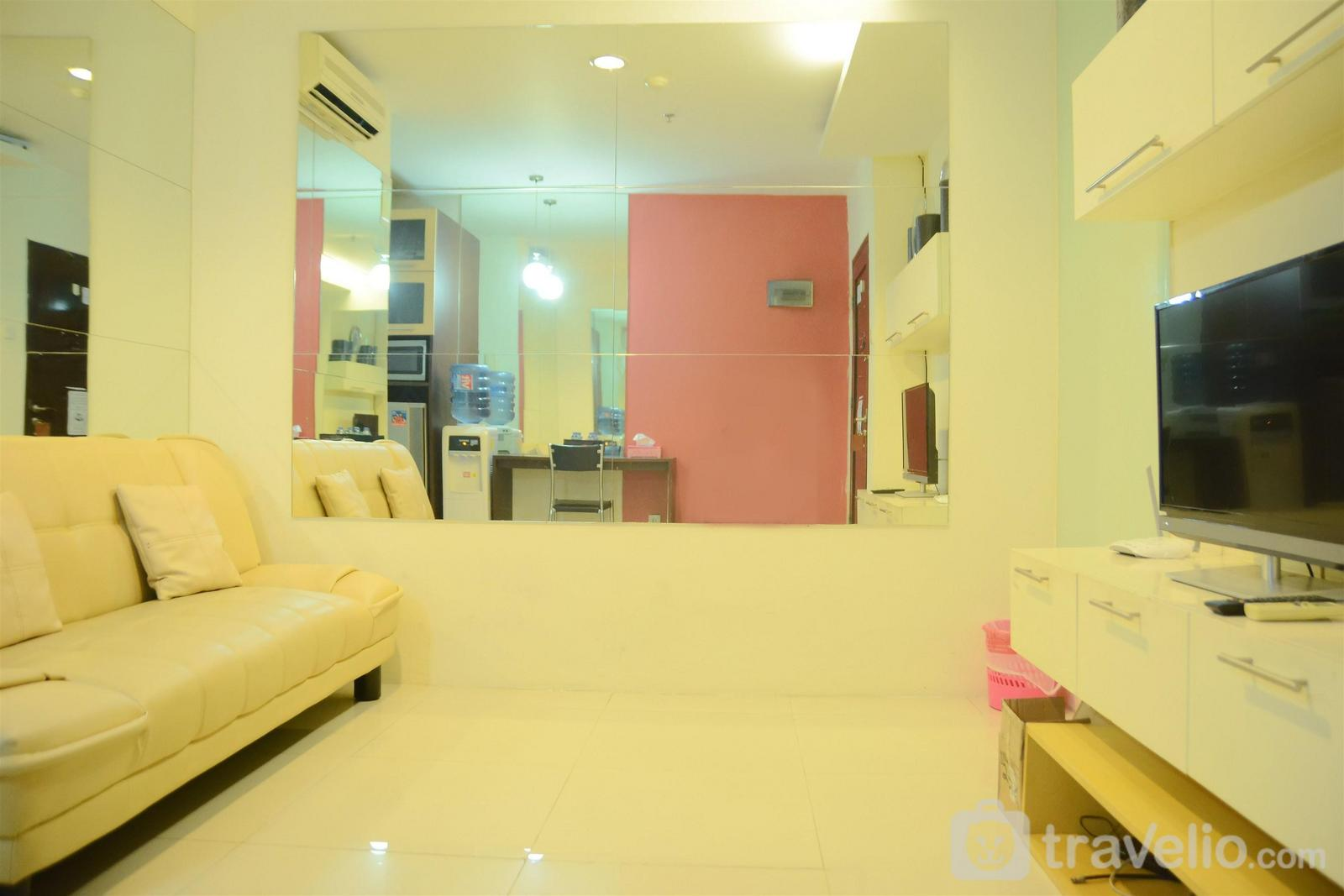 Cosmo Mansion - 1BR Apartment with City View @ Cosmo Mansion By Travelio
