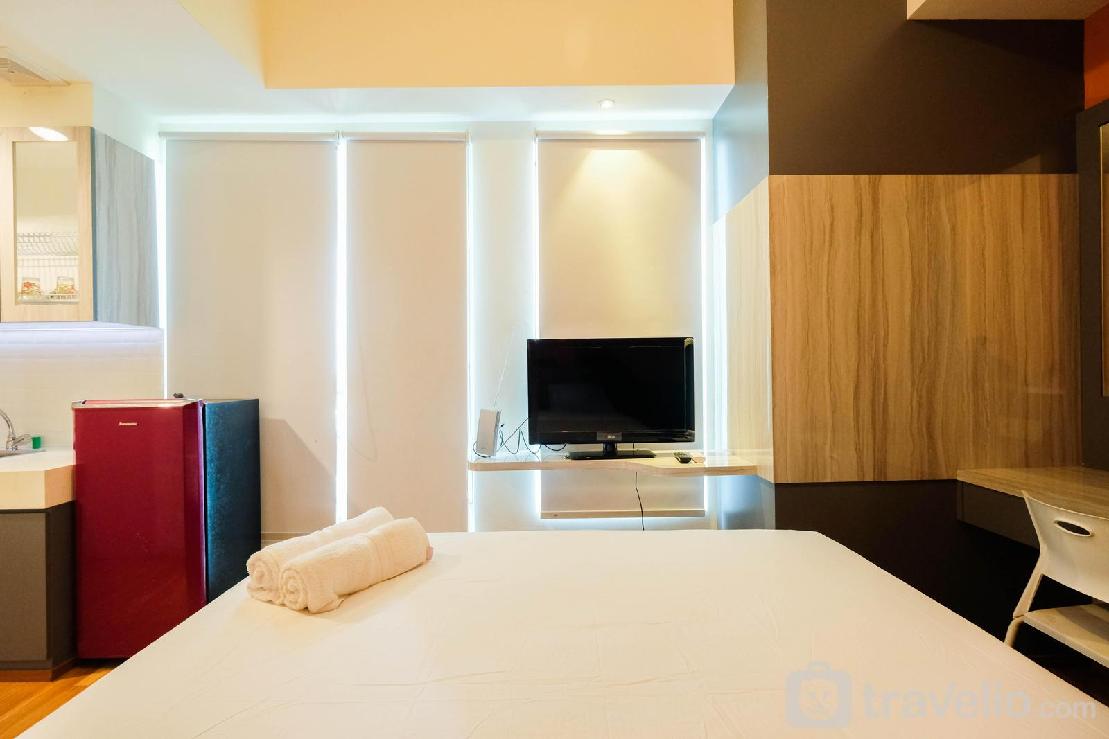 Apartemen Tree Park City - Great Location Studio at Tree Park Apartment By Travelio
