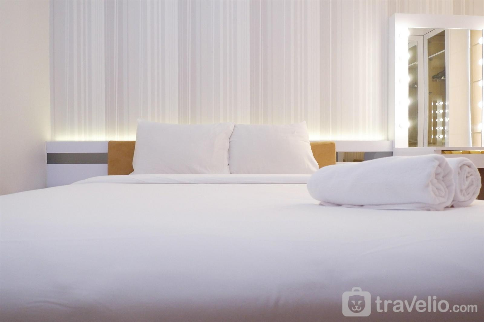Bassura City Cipinang - Comfort 1BR Apartment with Sofa Bed connected to Mall Bassura City By Travelio