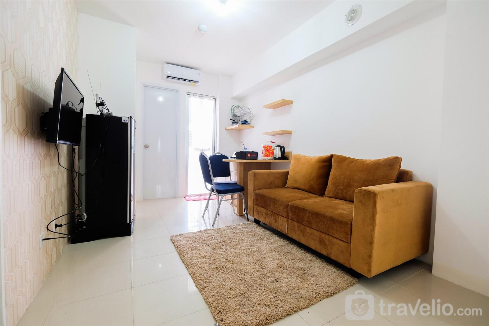 Bassura City Cipinang - Cozy 2BR Bassura City Apartment with City View By Travelio