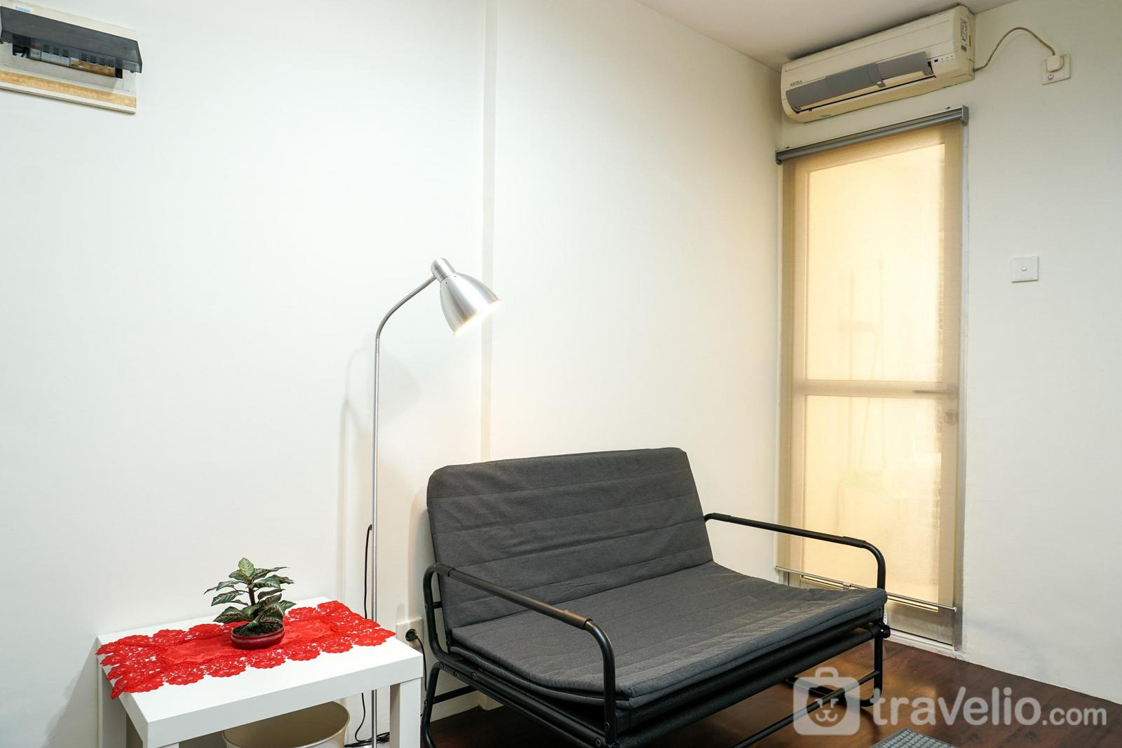 Gajah Mada Mediterania - Comfy 3BR Apartment at Mediterania Gajah Mada By Travelio