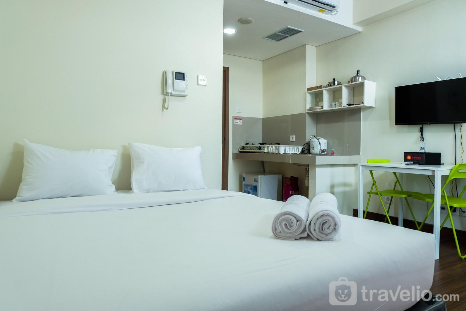Puri Orchard Apartment - Relax Studio Apartment at Puri Orchard By Travelio