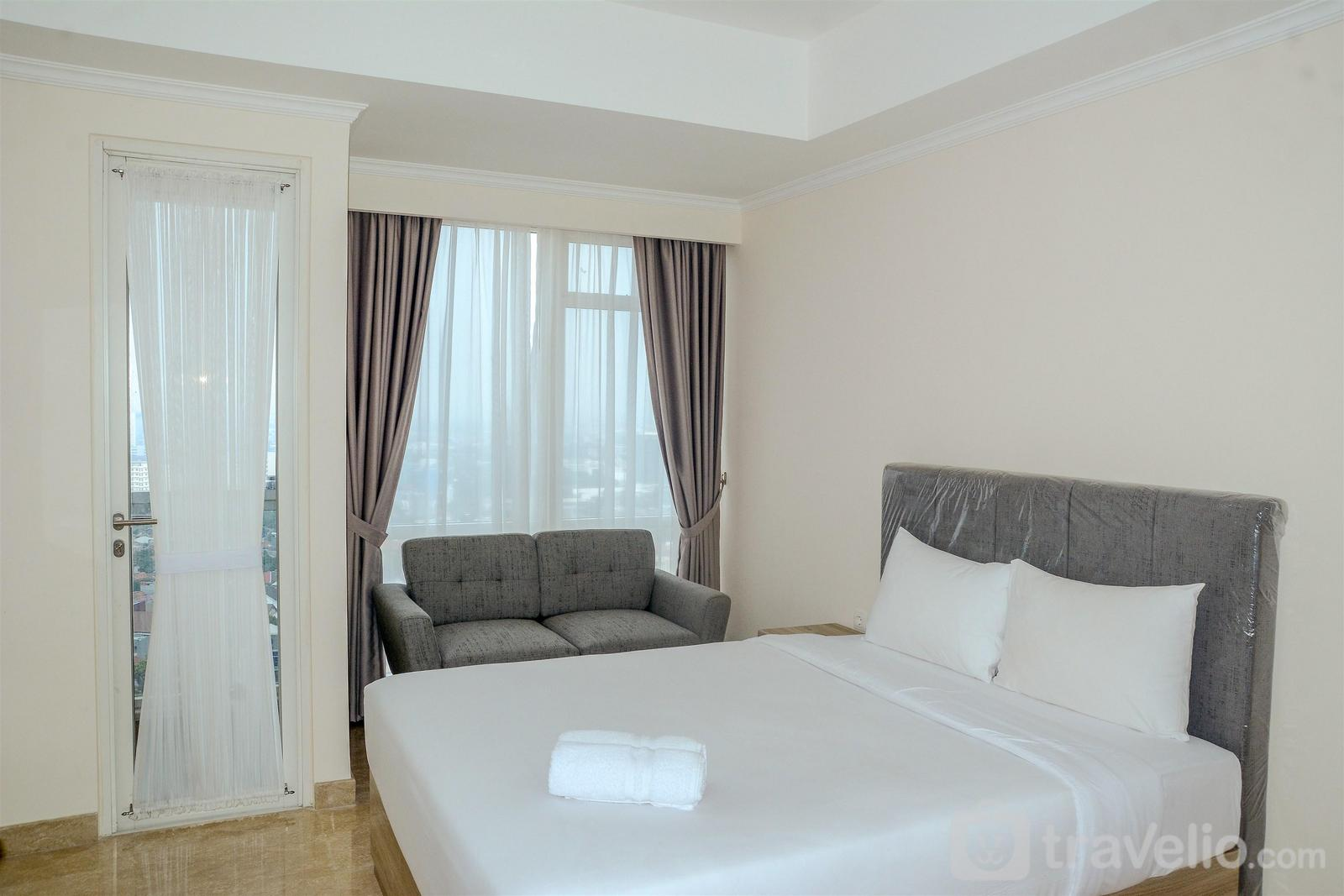 Menteng Park - New Studio Menteng Park Apartment with City View By Travelio
